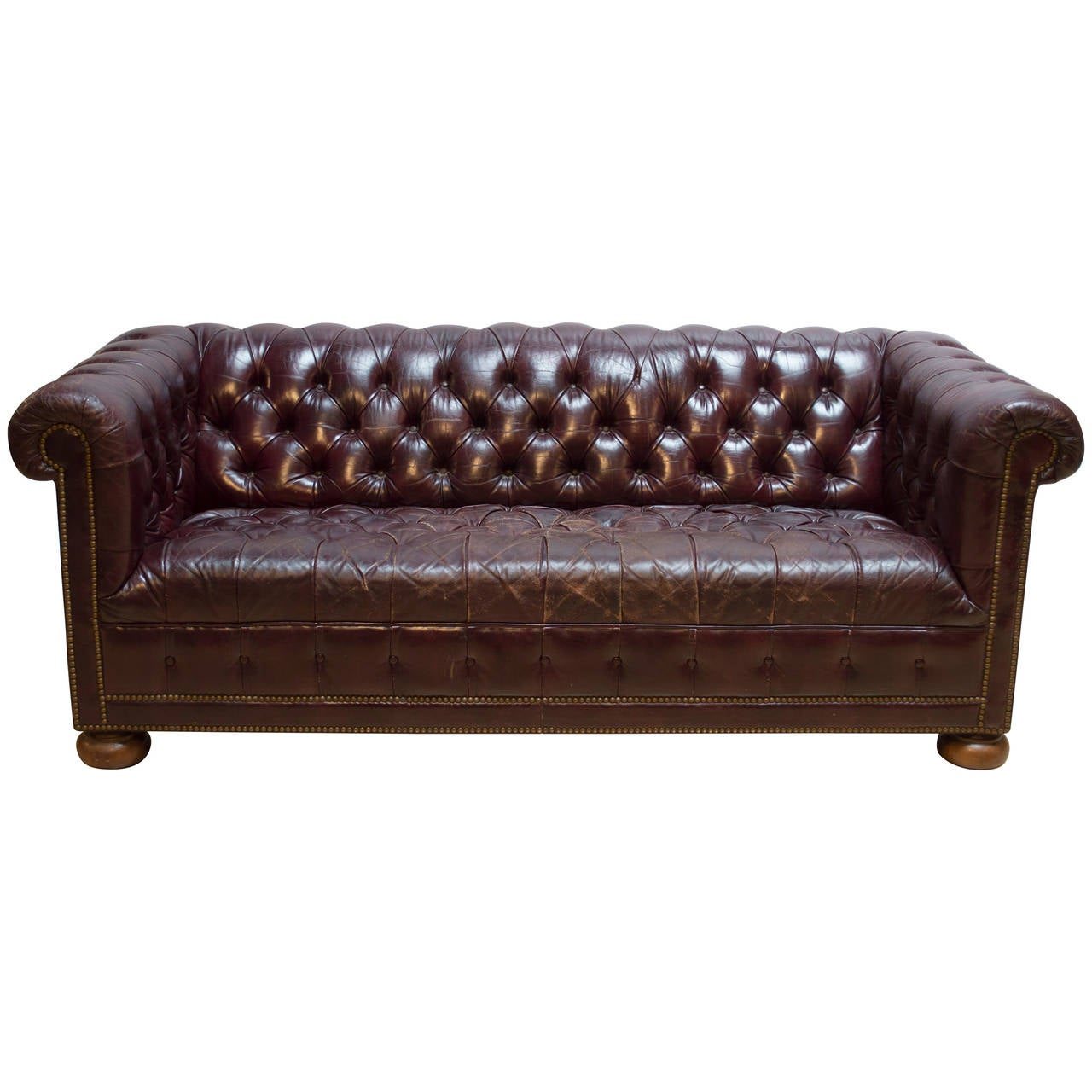 vintage leather chesterfield sofa at 1stdibs. Black Bedroom Furniture Sets. Home Design Ideas