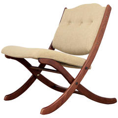 Mid Century Lounge Chair with Cross Legs
