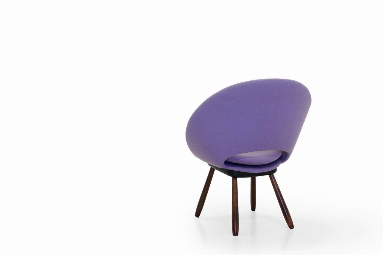 Mid Century Circle Lounge Chair at 1stdibs