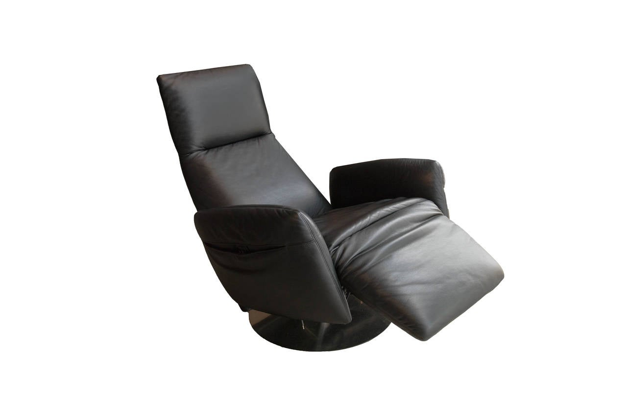 Leather sofa by poltrona frau at 1stdibs - Poltrona Frau Pillow Reclining Armchair 2