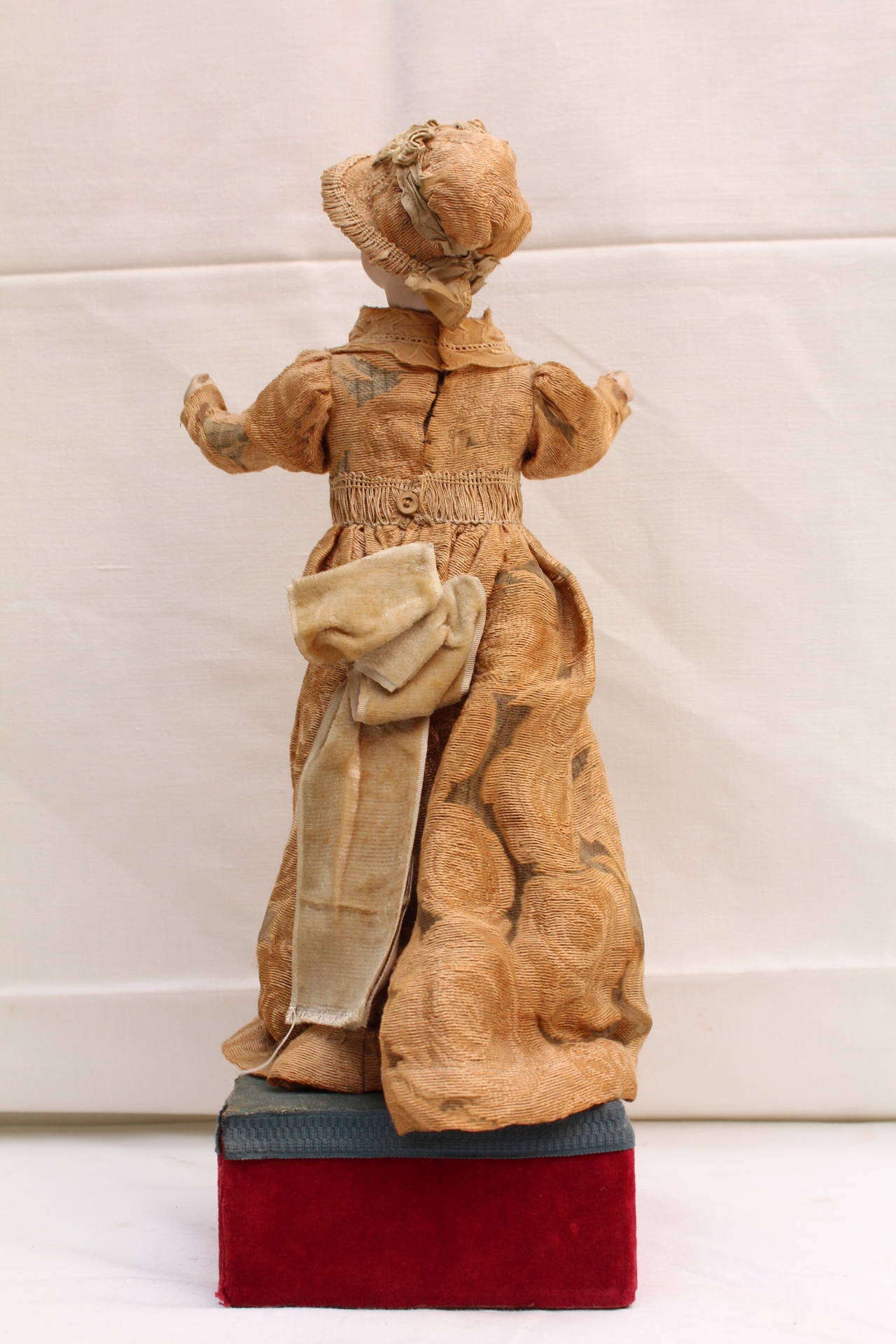 Mechanical Doll With Music Box By Bru Late 19th Century