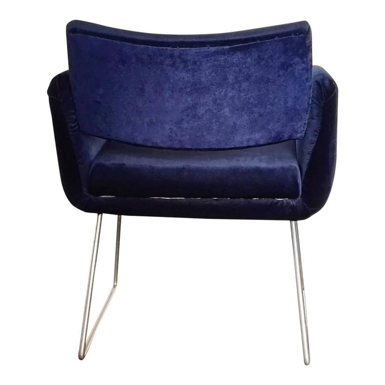 Polished stainless steel feet. Blue velvet upholstered. Editions Sieges Steiner. Good vintage condition.