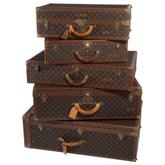 Important Set of Five Large Pieces of Vintage Louis Vuitton Luggage