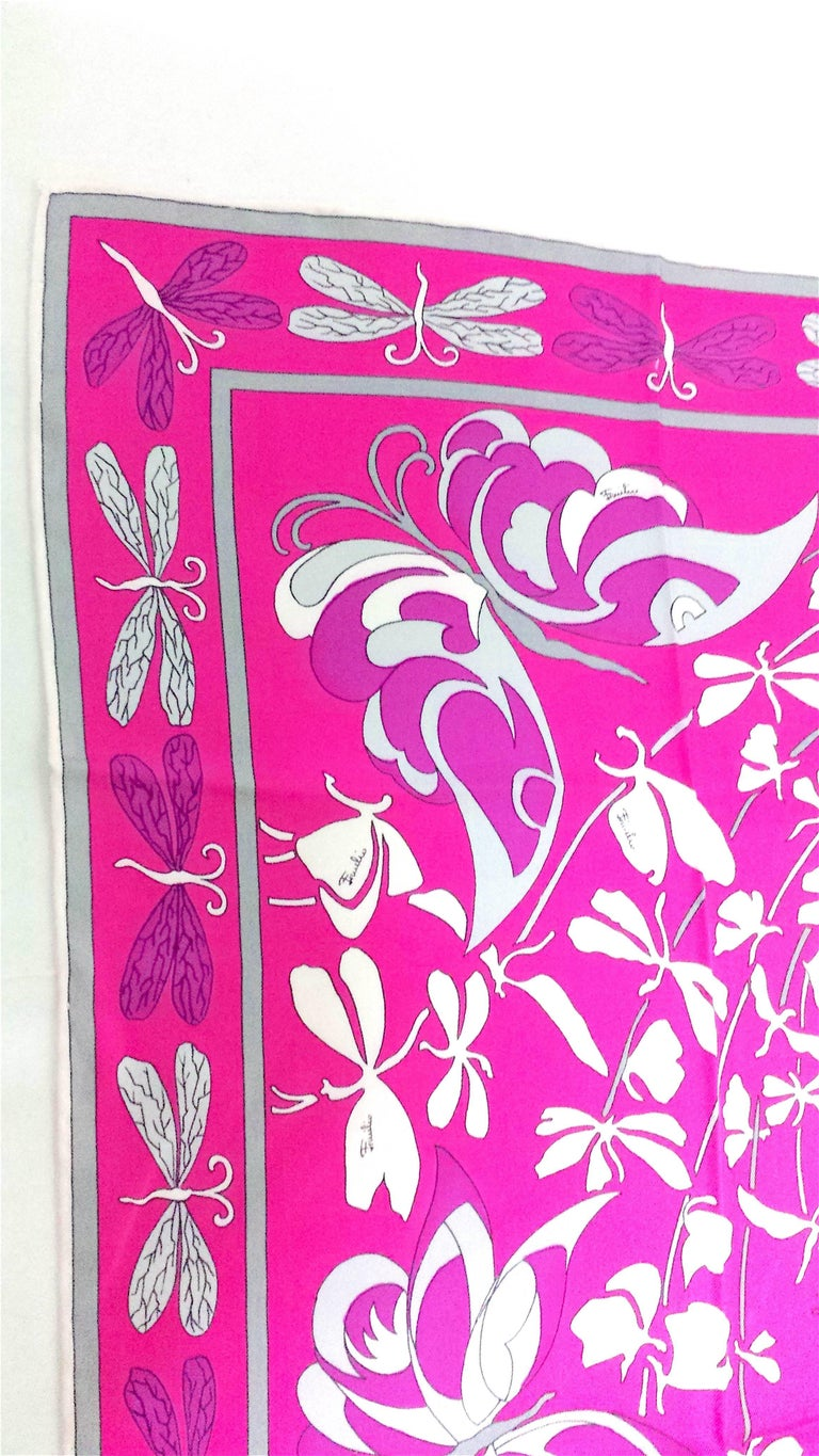 Lucious Emilio Pucci Signature Silk Scarf -Never Worn and in Original Case In Excellent Condition For Sale In West Palm Beach, FL