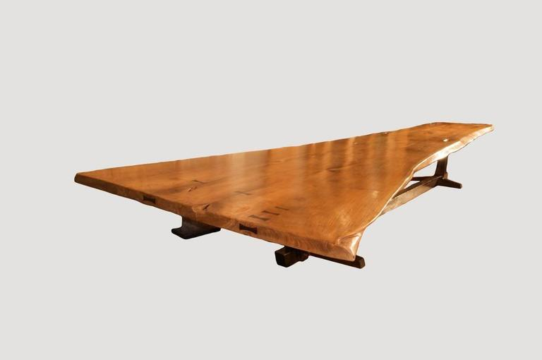 An Impressive Dining Table With A Dramatic Width Graduating From 36 To 88