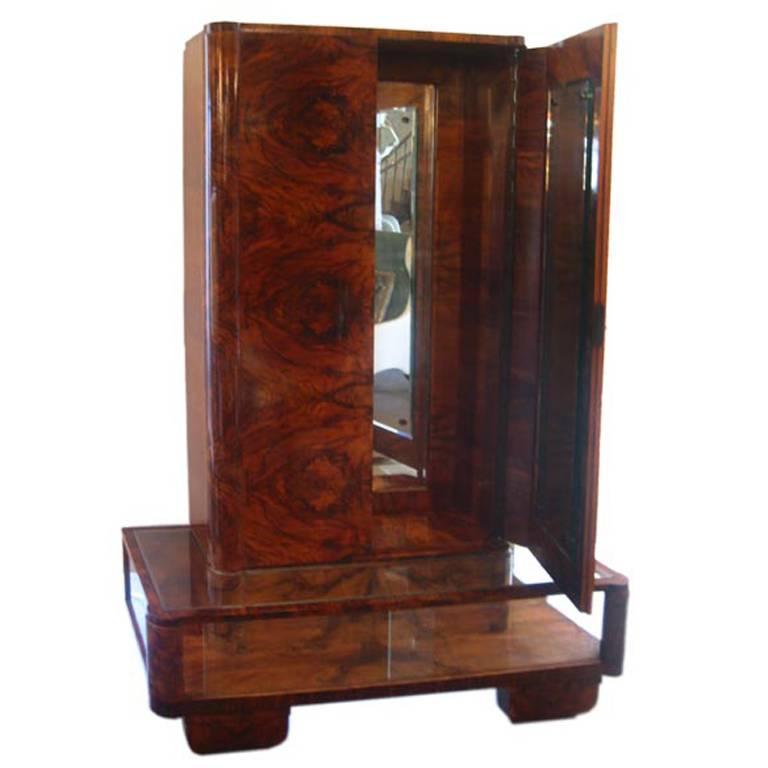 italian deco gentleman 39 s changing cabinet for sale at 1stdibs. Black Bedroom Furniture Sets. Home Design Ideas