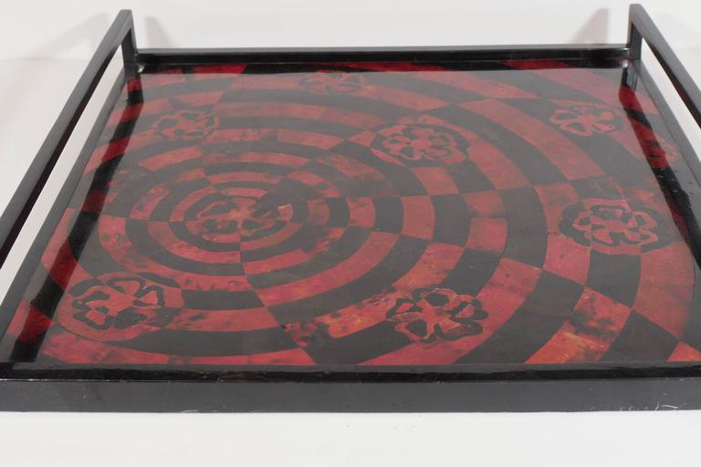 Handcrafted Mosaic Serving Tray in Lacquered Pen Shell In Excellent Condition For Sale In Stamford, CT