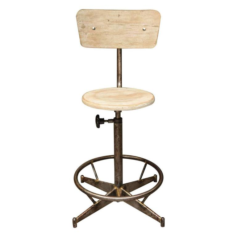 Light Wood Adjustable Industrial Swivel Stool