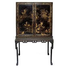 Rare Chinese Export George II Lacquered Cabinet, circa 1740