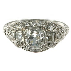 Past Era Captivating Art Deco Cushion-Cut Diamond Platinum Ring