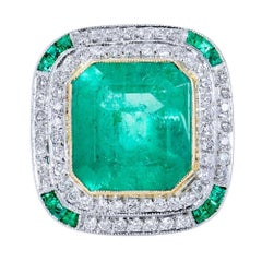 Art Deco Inspired 7.44 Carat Colombian Emerald 18 kt White Gold Platinum Ring