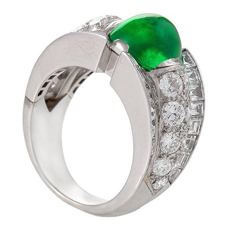 French 1980s Century Colombian Emerald and Diamond Ring For Sale