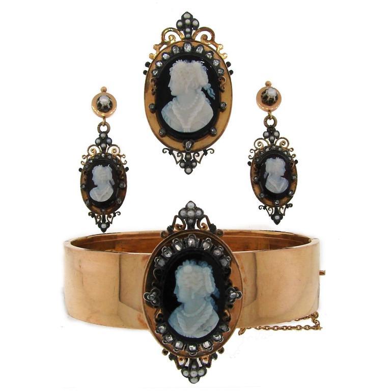 Victorian Agate Cameo Diamond Gold Pin Brooch Pendant Bangle Bracelet Earrings