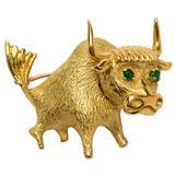 Charming Onyx Gold Taurus the Bull Pin