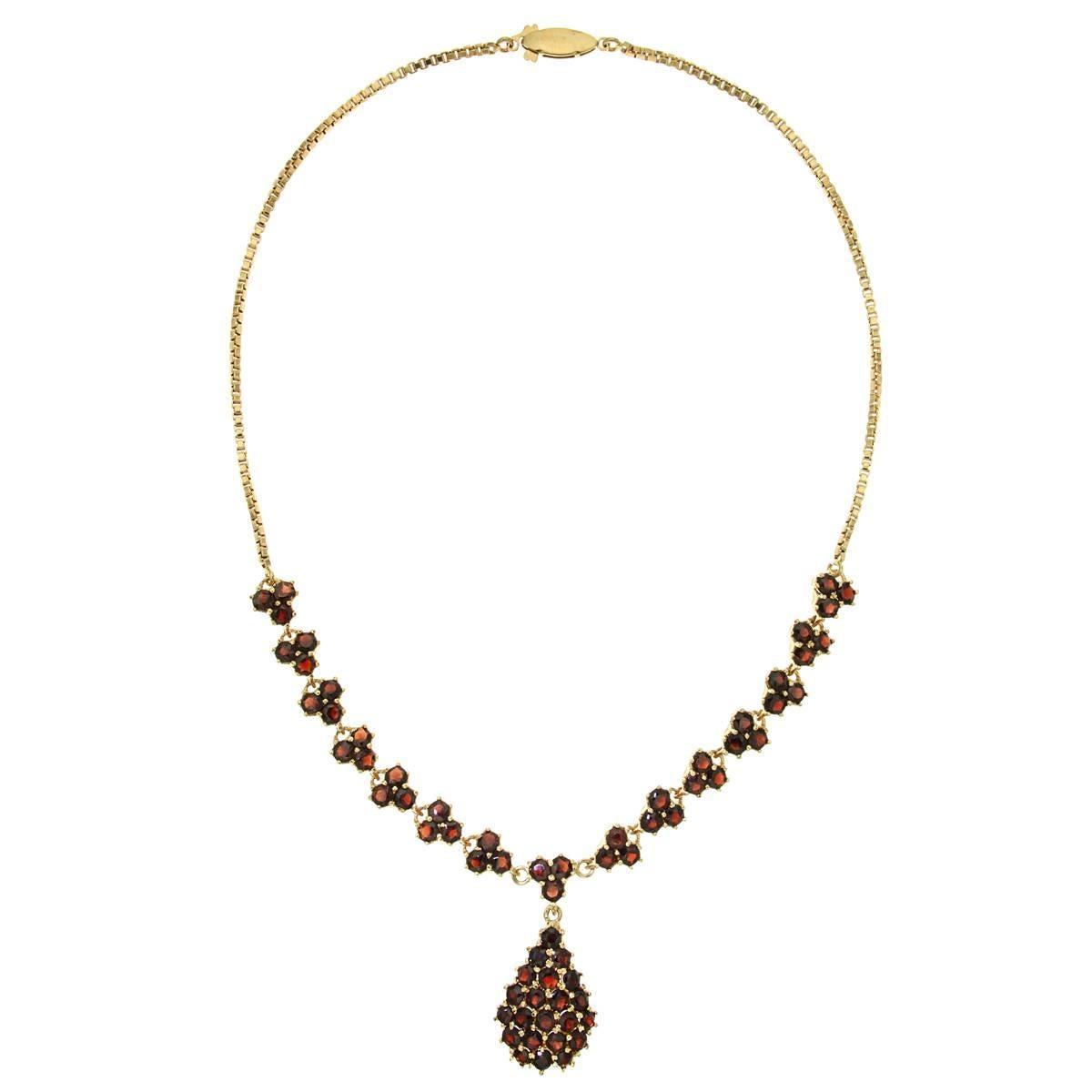 Red Garnet 18 Kt Yellow Gold Choker Necklace