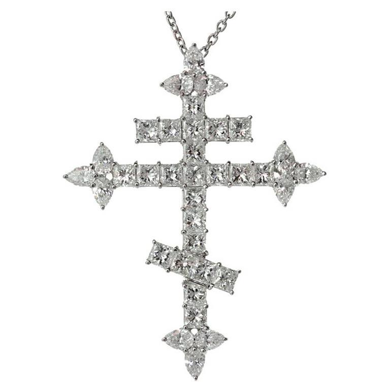 Important Harry Winston 10.86 Carats Diamond  Orthodox Cross Pendant Necklace 1