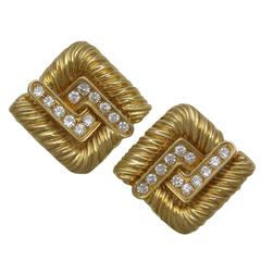 Chic French Diamond Gold Knot Earclips