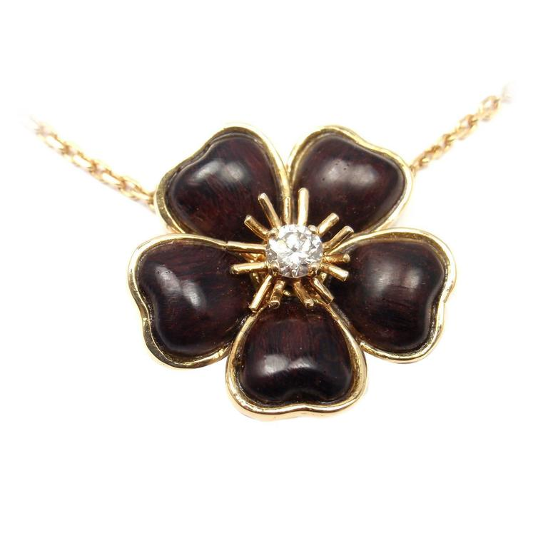 Van Cleef and Arpels Nerval Wood Diamond Gold Flower Pendant