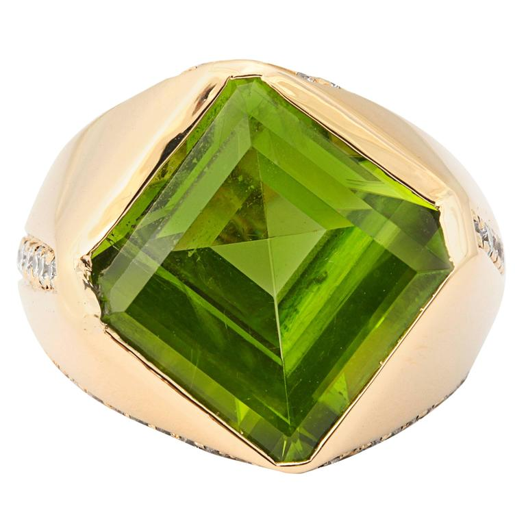 Michael Kanners One of a Kind Peridot Diamond Gold Ring