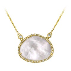 Mother of Pearl 0.26 Carats Diamond Gold Necklace