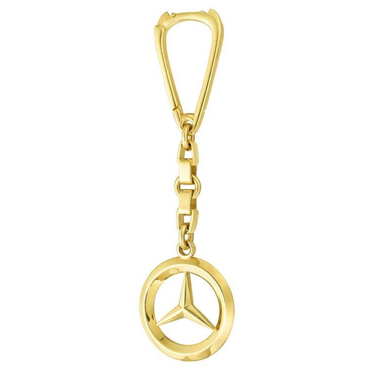 Gold mercedes benz key chain at 1stdibs for Mercedes benz pendant
