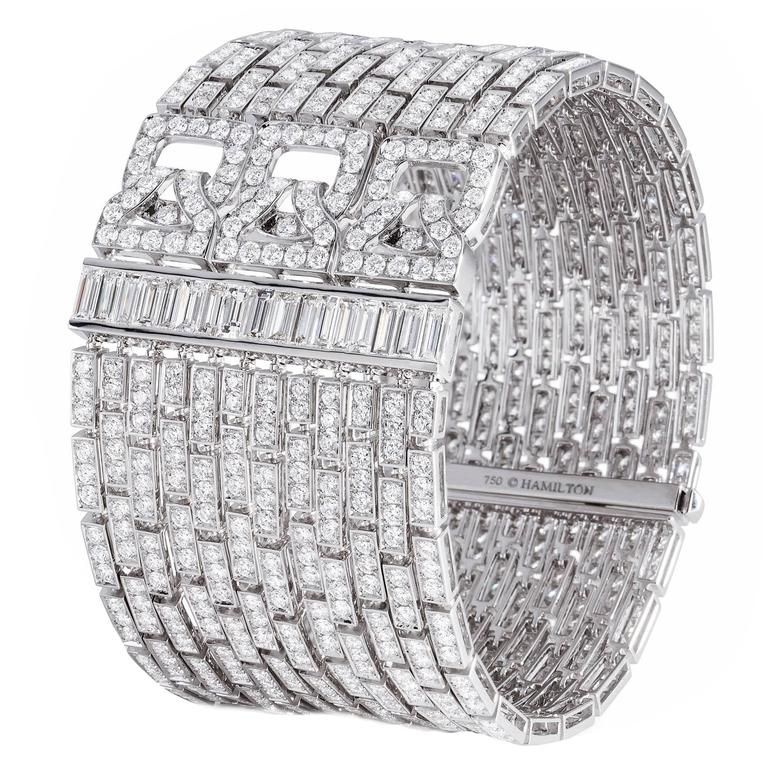 Extraordinary diamond cuff bracelet For Sale