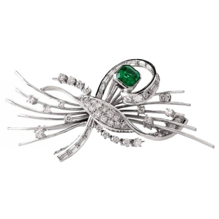Emerald Diamond Platinum Floral Motif Pin Brooch For Sale