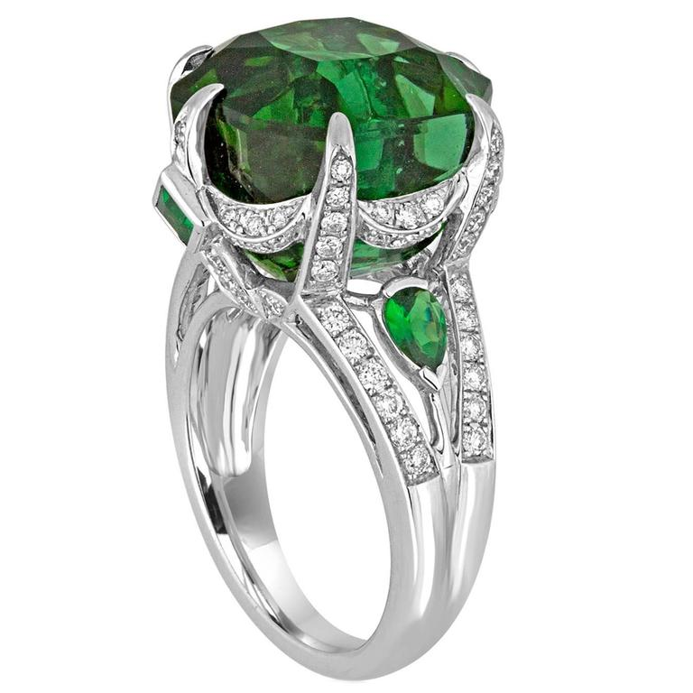 IGI Certified 19.00 Carats Tourmaline Tsavorite Diamond Gold Ring For Sale