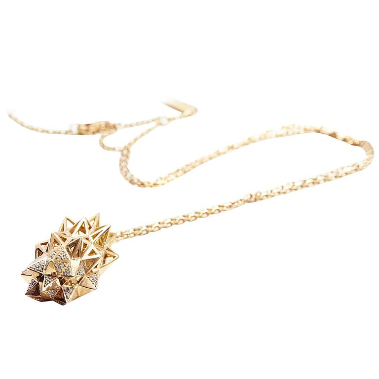 Stellated Diamond Gold Flatback Necklace For Sale