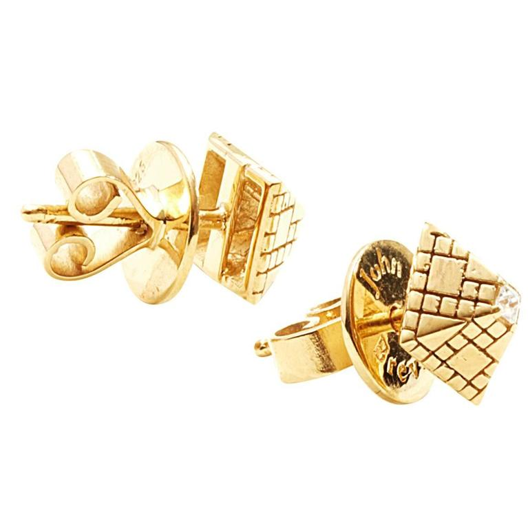 Singular Diamond Gold Stud Earrings For Sale