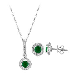1.22 Carats Emerald Diamond Gold Halo Pendant and Earrings Set