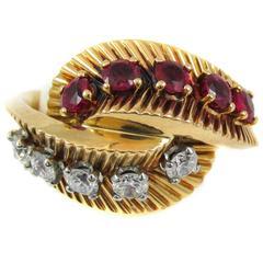 Van Cleef & Arpels Retro Ruby Diamond Gold Ring