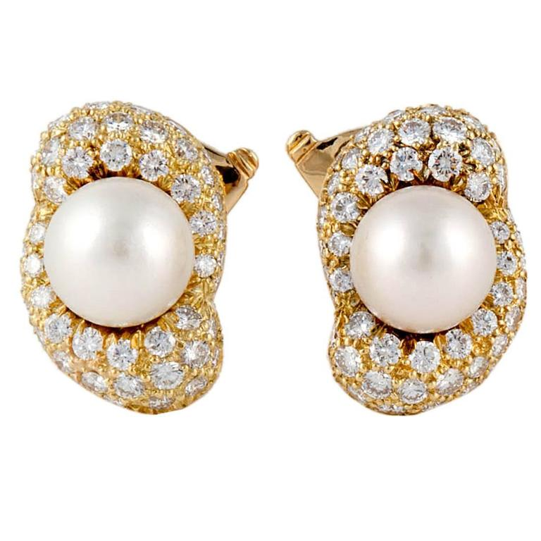 Van Cleef & Arpels Pearl Diamond gold Earrings