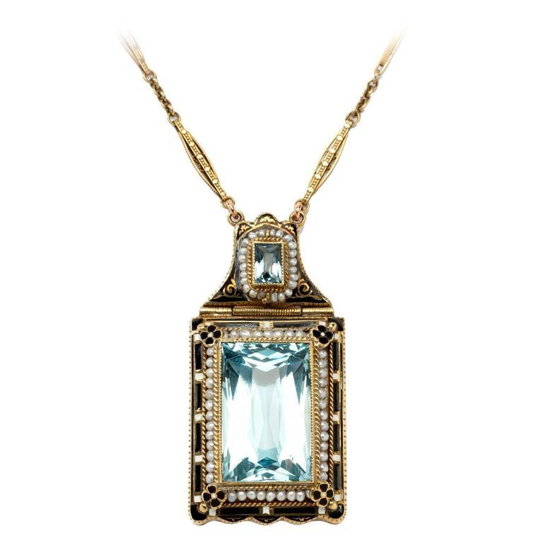 A Double Aquamarine Pearl Gold Chain Pendant