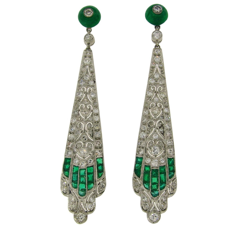 1920s art deco emerald diamond platinum dangle earrings for sale at 1stdibs. Black Bedroom Furniture Sets. Home Design Ideas