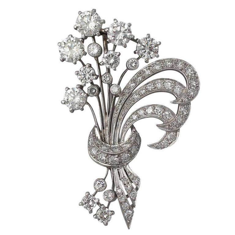 4.98Ct Diamond and Platinum Flower Spray Brooch / Pendant - Vintage Circa 1950 For Sale