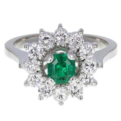 Round Emerald Diamond Gold Cluster Ring