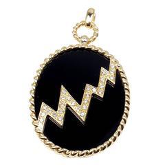 Van Cleef & Arpels Black Onyx Diamond Gold Pendant