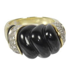14 K Yellow Gold Ring with Onyx and Diamonds