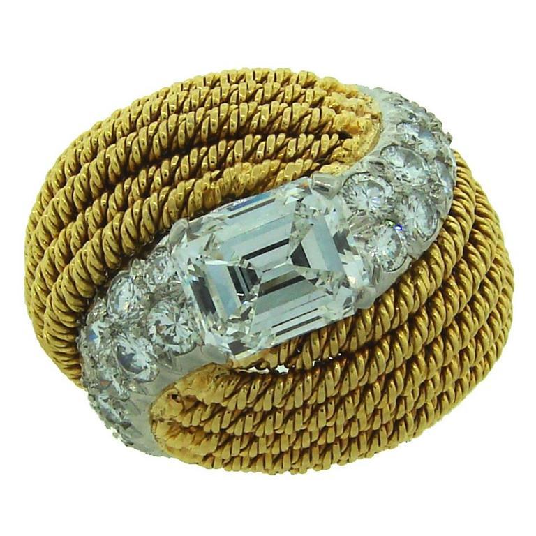 1950s DAVID WEBB Diamond & Yellow Gold Cocktail Ring