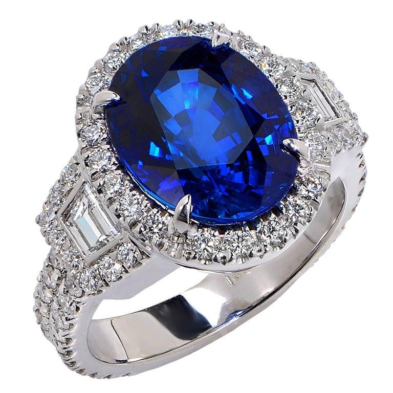 Vivid Diamonds Stunning 6.22 Carat Sapphire Diamond Gold Ring For Sale