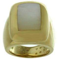 Van Cleef & Arpels Babylon Mother of Pearl Gold Ring