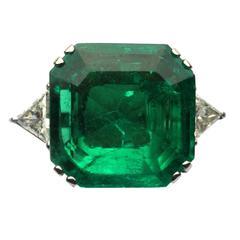 Important 17 Carat Emerald Diamond Gold Ring