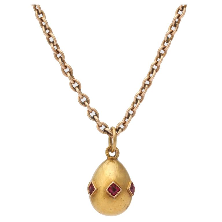 1900s Russian Ruby Gold Easter Egg Pendant 1