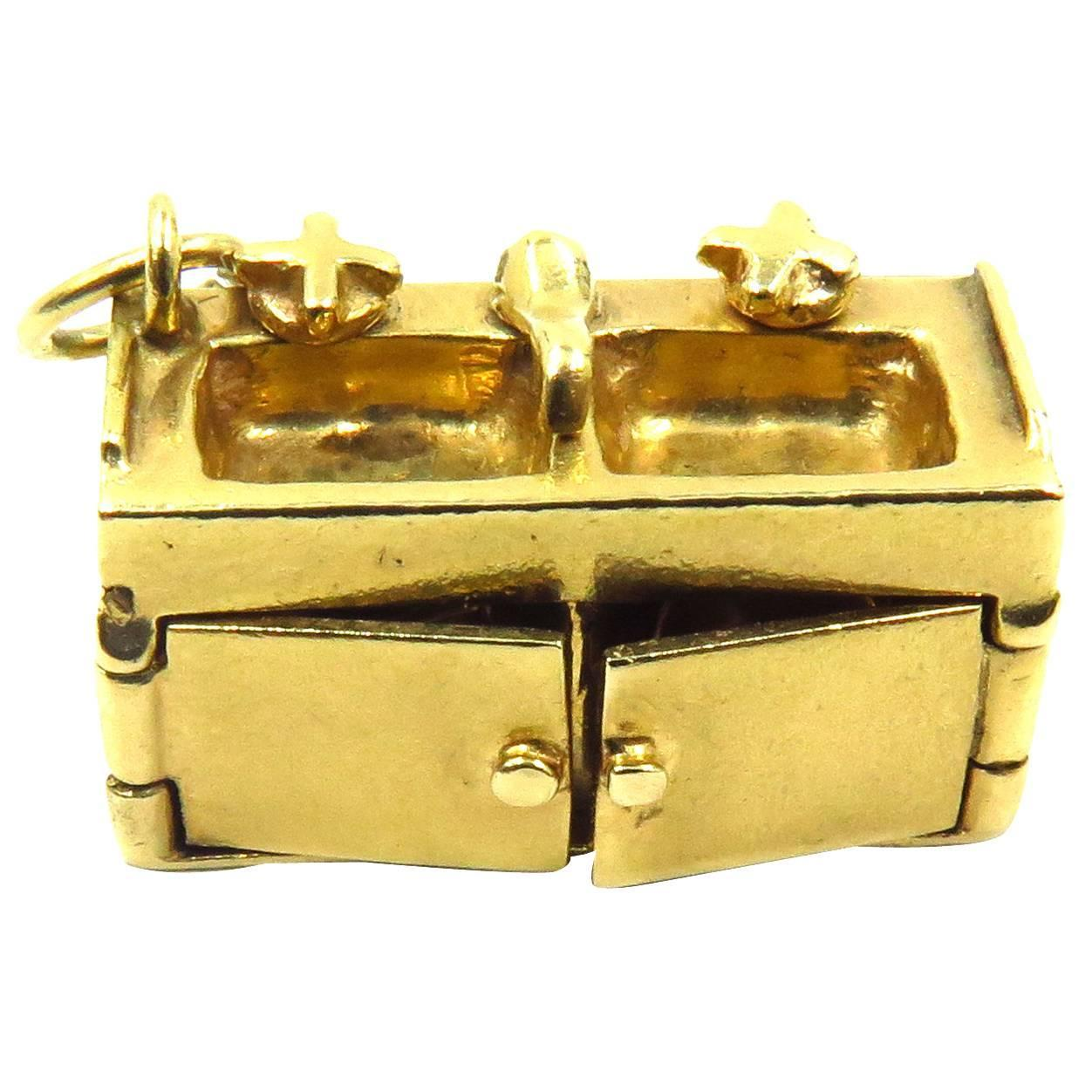 Rare Amazing Kitchen Sink With 5 Movable Parts Gold Charm Pendant ...