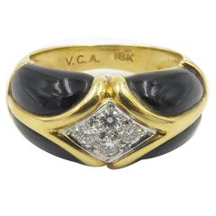 Van Cleef & Arpels Black Onyx Diamond Gold Ring