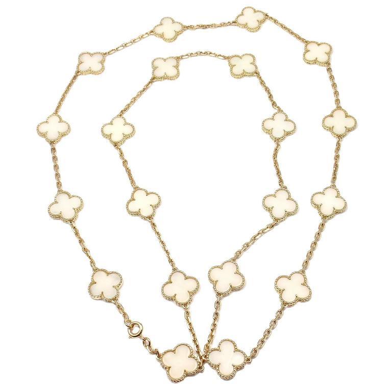 Van Cleef And Arpels White Coral Gold 20 Motif Vintage