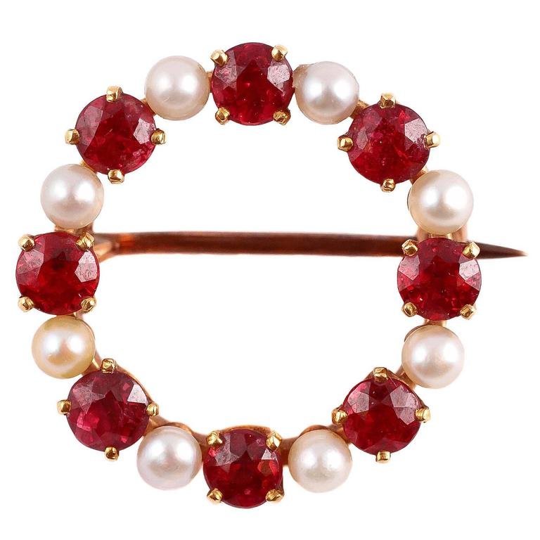 Edwardian Natural Spinel Pearl Gold Circle Pin