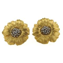Buccellati Large Gold Flower Earrings