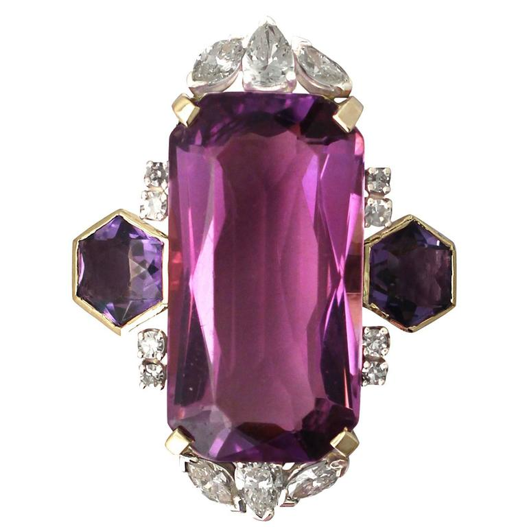 1970s 21.82 Carat Amethyst 1.59 Carats Diamonds Gold Cocktail Ring